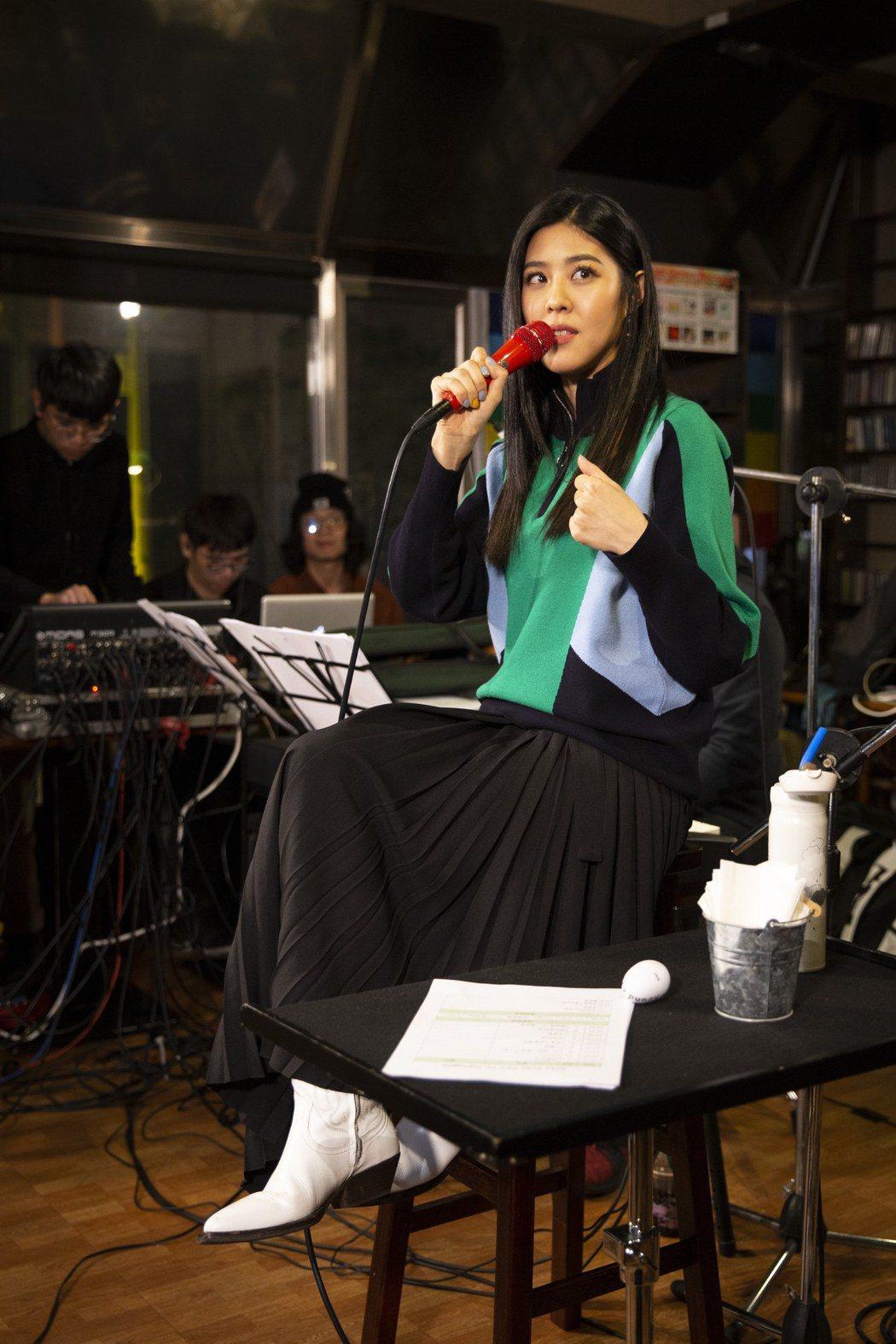 Erika劉艾立舉辦首場個人音樂會。圖/華納提供