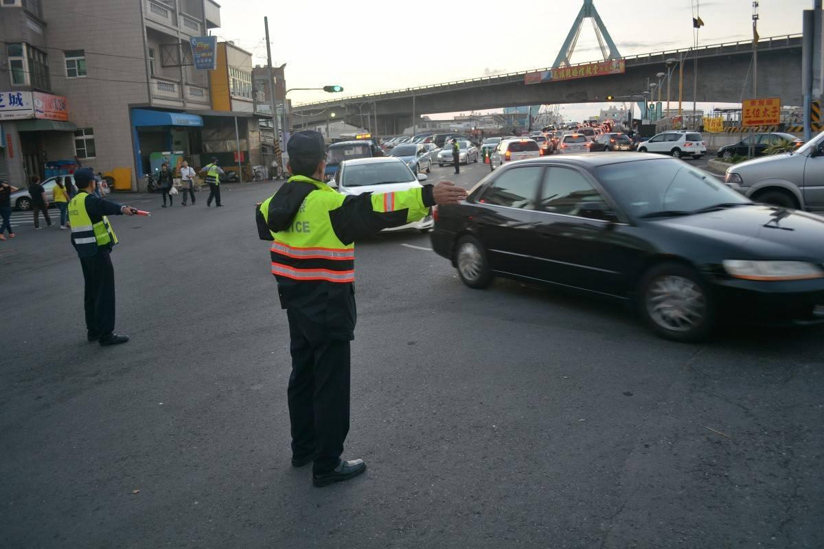 228和平紀念日連續假期,嘉義縣警方將加強交通疏導管制。記者謝恩得/翻攝