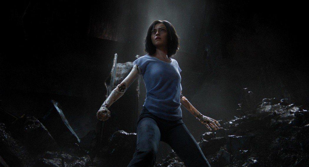 「艾莉塔:戰鬥天使」全台票房已破2.2億,有望在本周挑戰2.5億大關。圖/福斯提