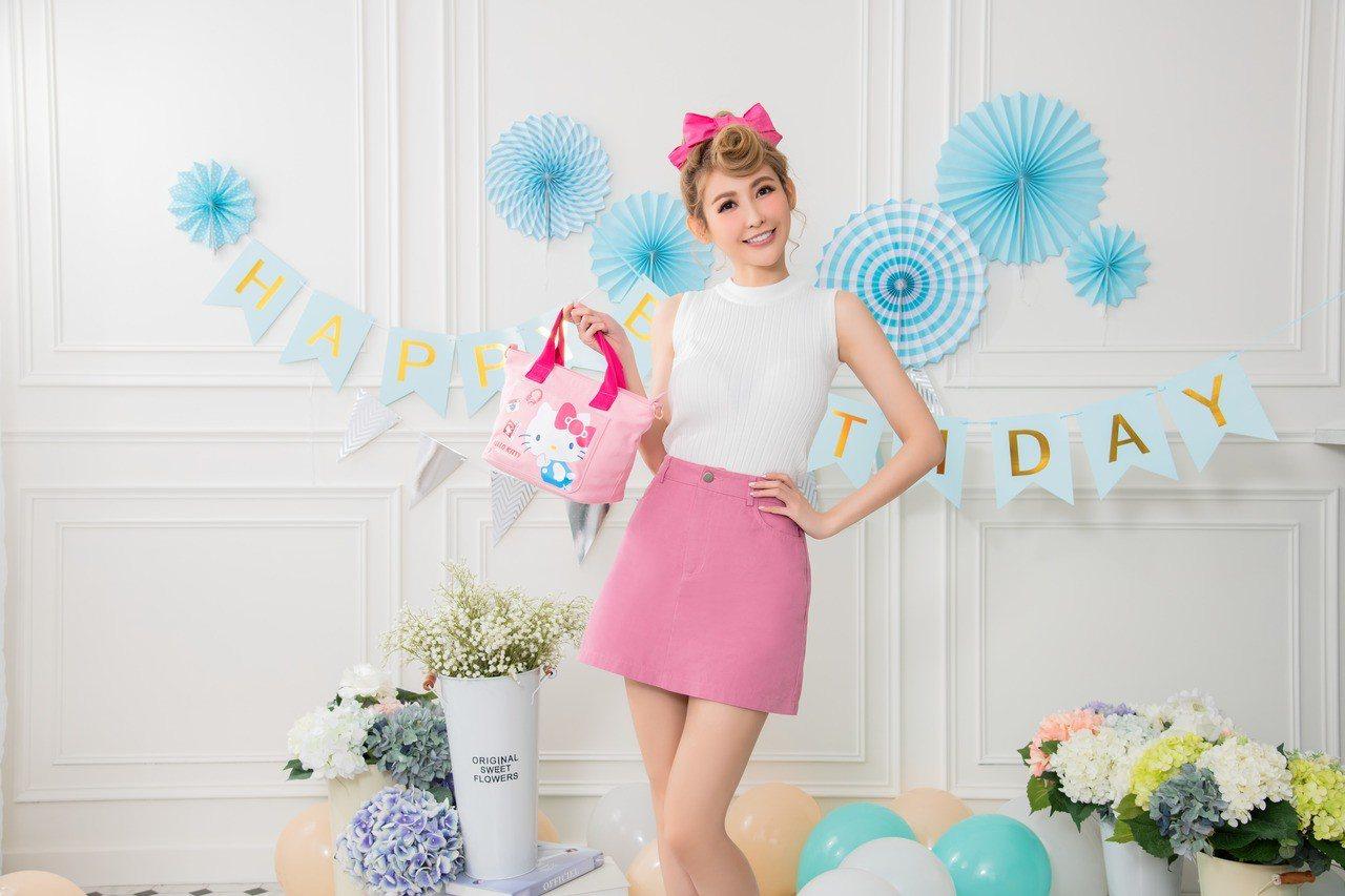 康是美2月27日起推出讓粉絲心動尖叫的Hello Kitty 45周年限量加購商...