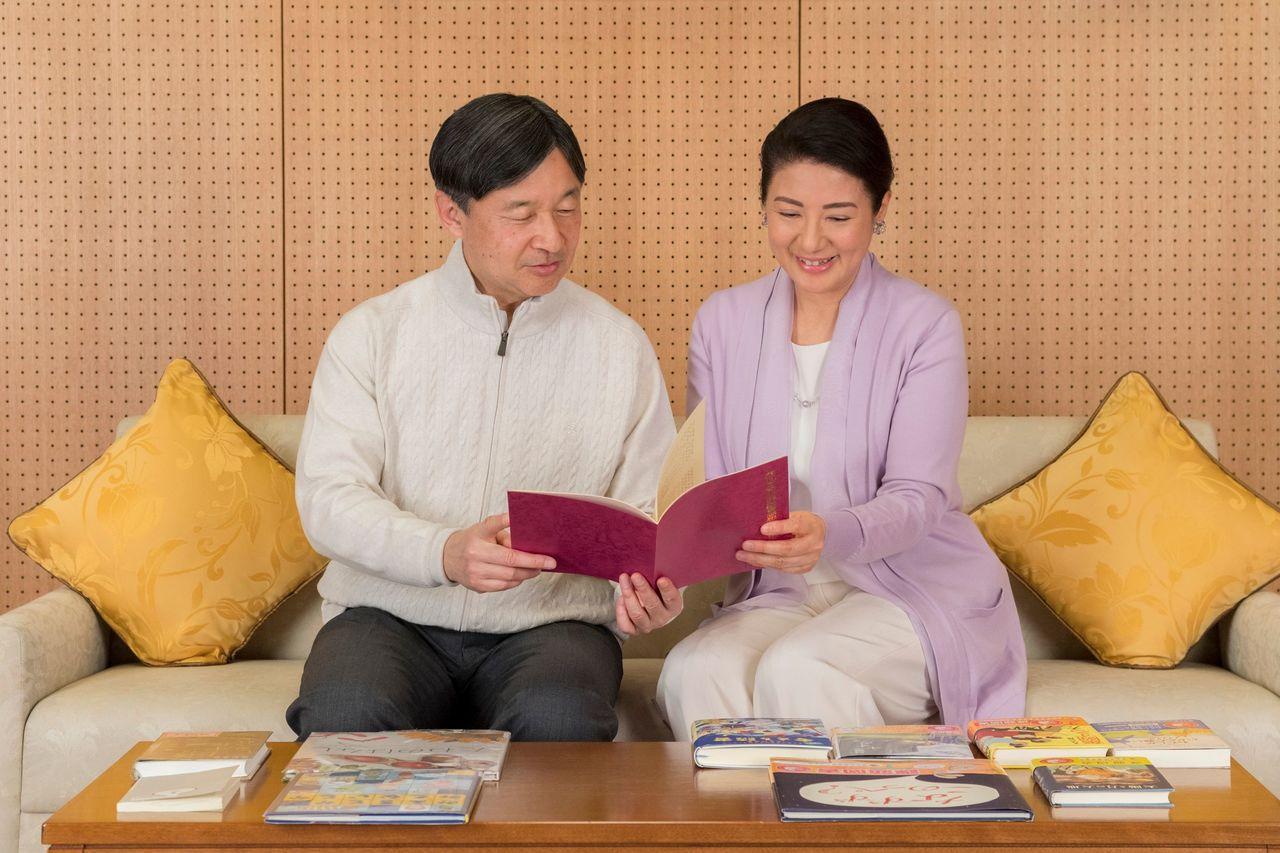 日皇太子德仁將於兩個多月後繼位成為新任天皇,近日他過59歲生日,冀維持父親親民作...