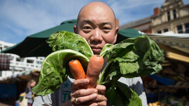 Giles Yeo醫生體驗一個月全素食的生活 圖/擷取自《BBC中文網》