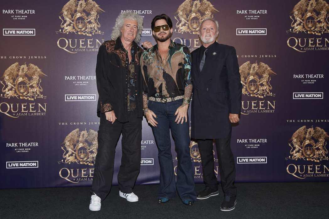 美國歌手亞當蘭伯特(中)將與皇后合唱團聯手演唱多首金曲。(美聯社)