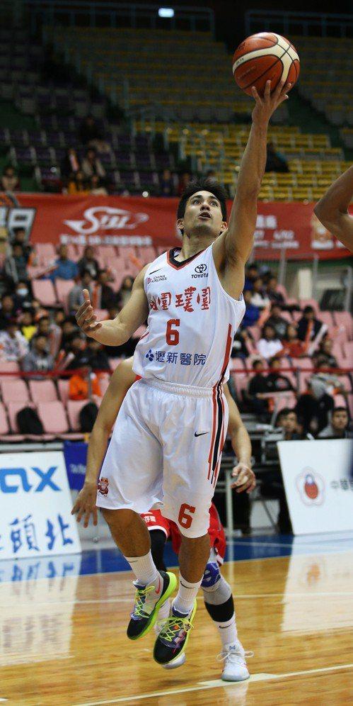 璞園隊陳堅恩繳出14分、8助攻。圖/中華籃球協會提供