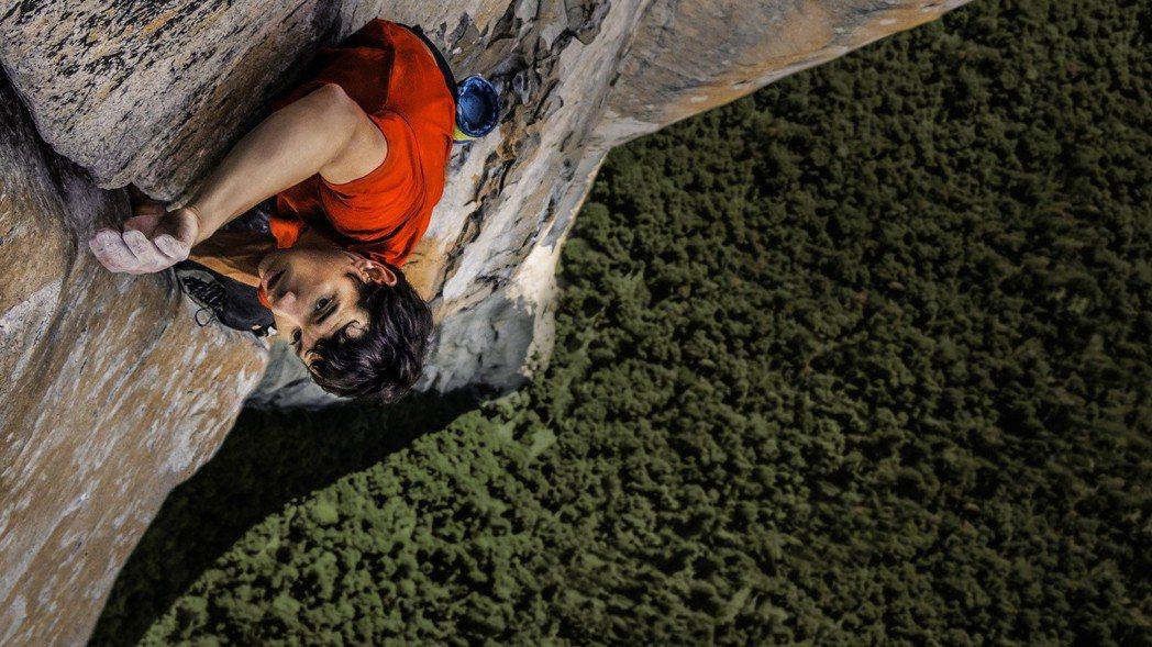 本屆奧斯卡最佳紀錄長片「赤手登峰」,3月初就會在國家地理頻道首播。圖/國家地理頻