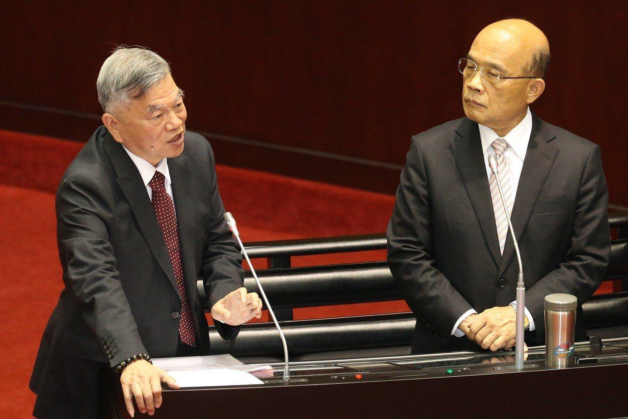 經濟部長沈榮津表示,過去台商因為土地、環保、勞工3大難題離開台灣,但現在必須具有...