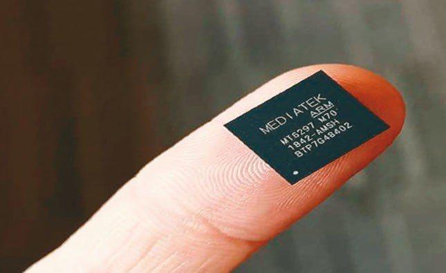 蘋果今年若推5G手機,英特爾晶片將供應不及,採聯發科晶片的機會將大增。圖為聯發科...