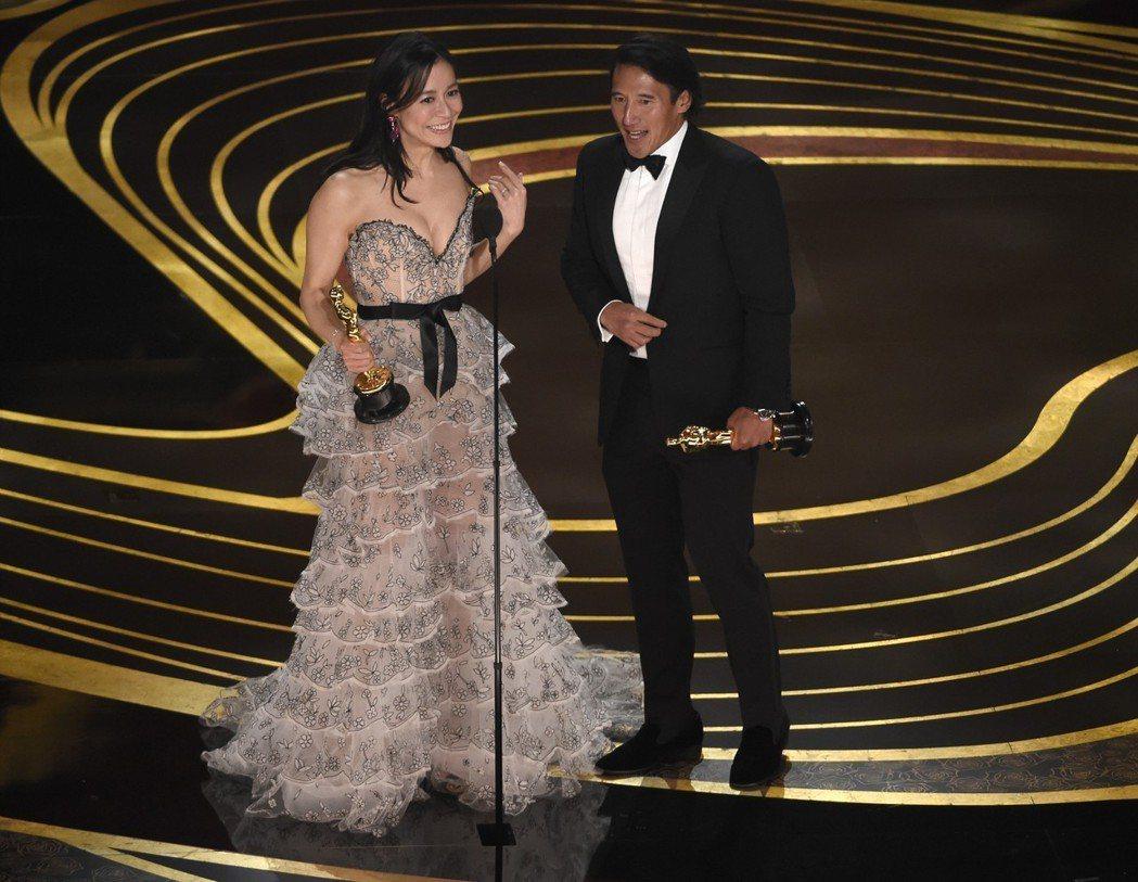 華裔攝影師金國威與妻子Elizabeth Chai Vasarhelyi共同指導