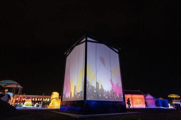 此次屏東燈會藝術燈區展出的3件作品將在今年8月到丹麥展出。 圖/屏東縣政府提供