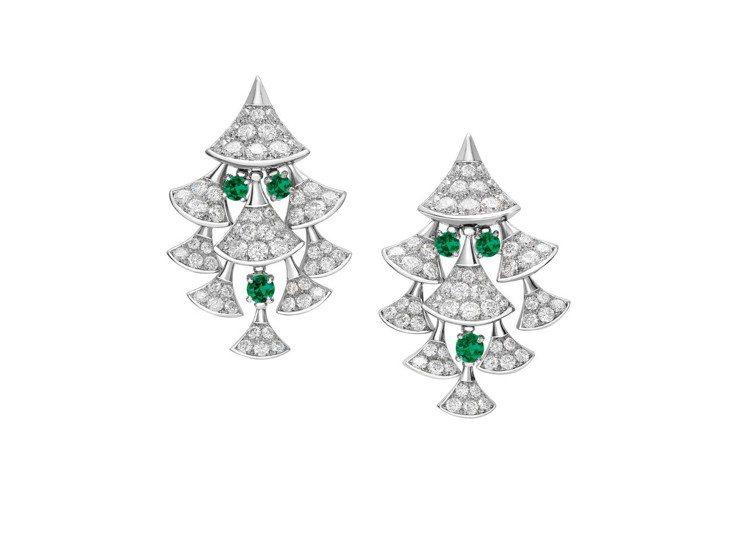 陳靜配戴的寶格麗Divas Dream頂級鑽石與祖母綠垂墜耳環。圖/Bvlgar...
