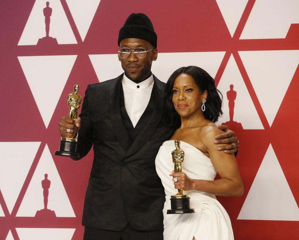 「幸福綠皮書」馬赫夏拉阿里、「藍色比爾街的沉默」蕾吉娜金恩分別拿下本屆奧斯卡獎最...