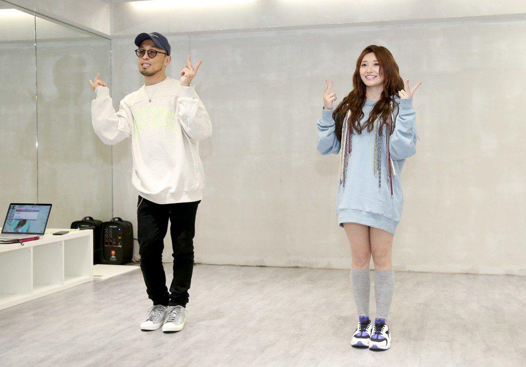 祈錦鈅(右)發表新歌《比心小幸福》,找來濱崎步舞蹈老師Zin(左)編舞。記者余承...