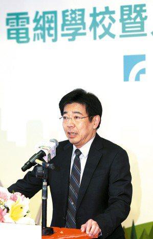 工研院院長劉文雄宣布結合24所產學研界企業與學校,共同成立「電網能力發展聯盟」,...