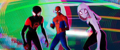 動畫電影「蜘蛛人:新宇宙」奪下第91屆奧斯卡最佳動畫片,官方昨天除透過推特發文,貼出主角手握小金人獎座的賀圖獻粉絲,更在臉書宣布27日在台重返大銀幕上映。「蜘蛛人:新宇宙」(Spider-Man: ...