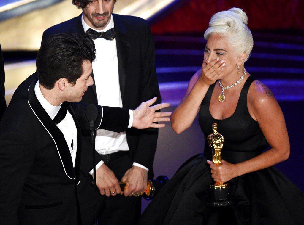 沒有主持人的第91屆奧斯卡金像獎頒獎典禮,收視不降反升。圖為女神卡卡領獎畫面。圖