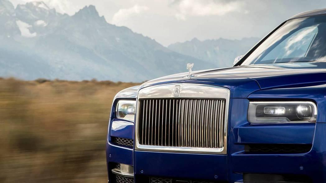 在目前Rolls-Royce Cullinan訂單中,見到了不少的女性買主與青壯...