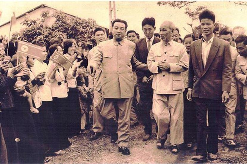 無論朝鮮是否真正想嘗試越南模式,金正恩作為南北越統一後,首次到訪的朝鮮最高領袖,...