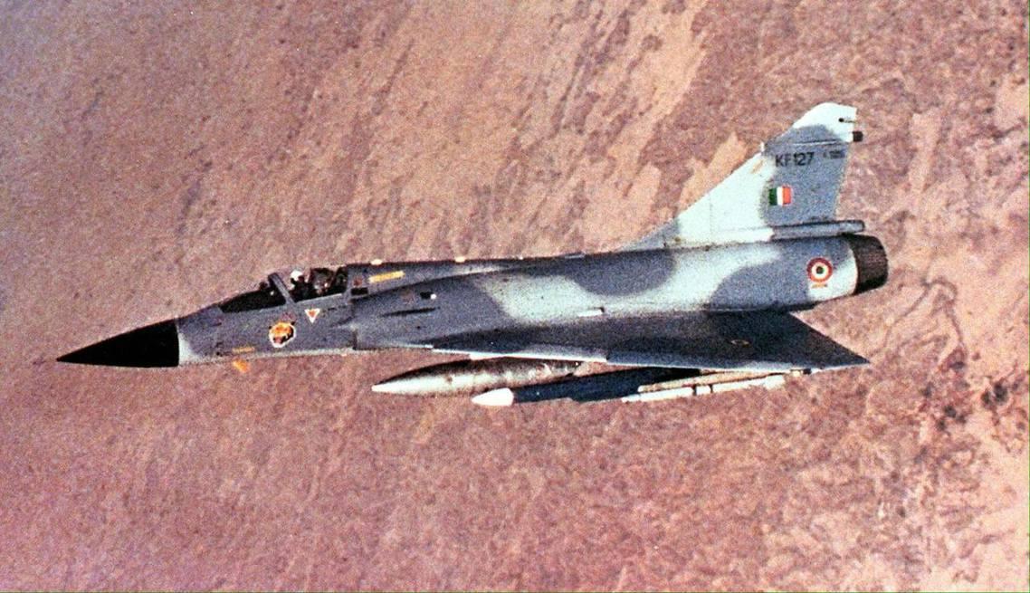 印度空軍26日清晨派出了12架幻象2000戰鬥機,越過印巴停火線,侵入巴基斯坦領...