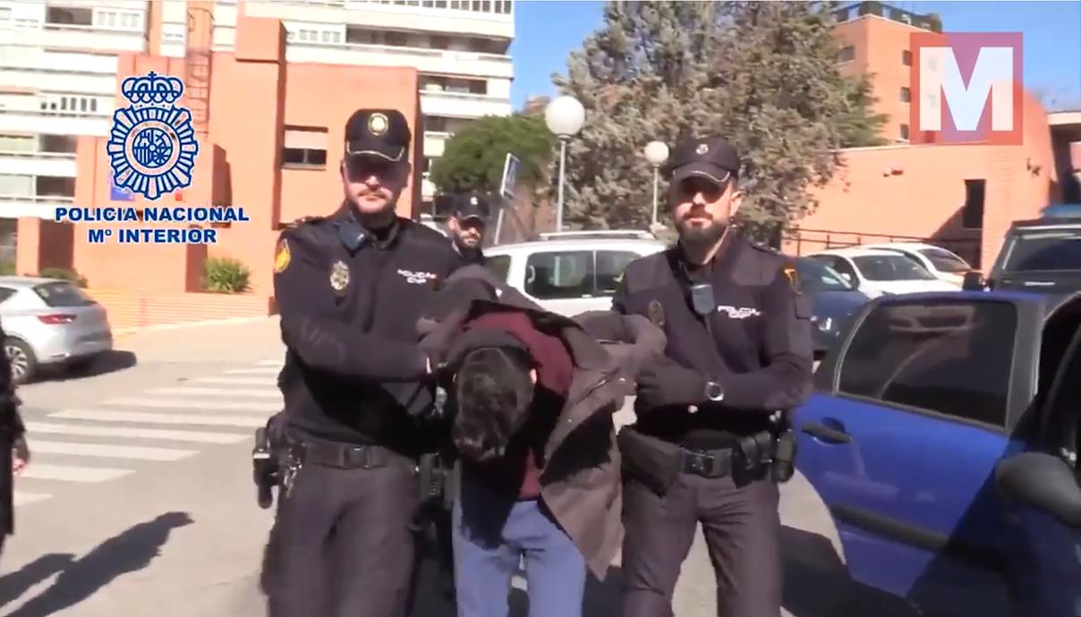 西班牙馬德里發生1起弒母分屍案,兇嫌事後還將屍塊煮熟與狗分食,十分駭人聽聞。圖擷...