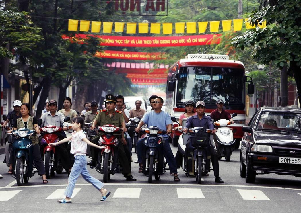 越南期待第一大出口國的美國,能盡快亮綠燈通行,改變越南的非市場經濟地位(NME)...