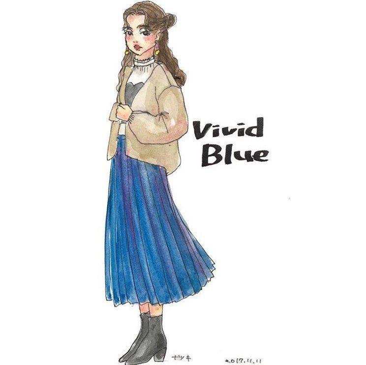 鮮豔的藍色百褶長裙搭配中筒高跟靴,上半身以白色系搭配,氣質滿分。圖/擷自inst...