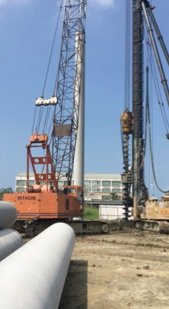 深達18米基樁共142支、 結合笩式基礎、堅若磐石。圖片提供/福鑫資產