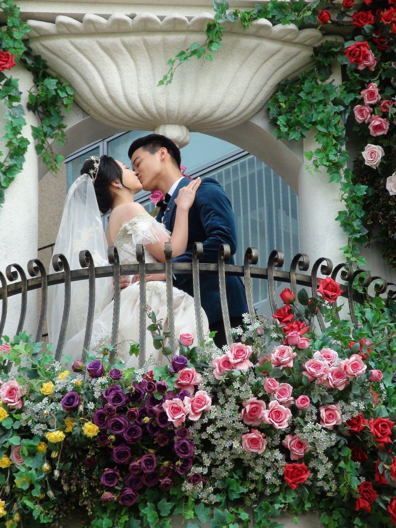 婚紗業者安排一場「私奔婚禮」串連高雄的愛情產業鏈。記者謝梅芬/攝影