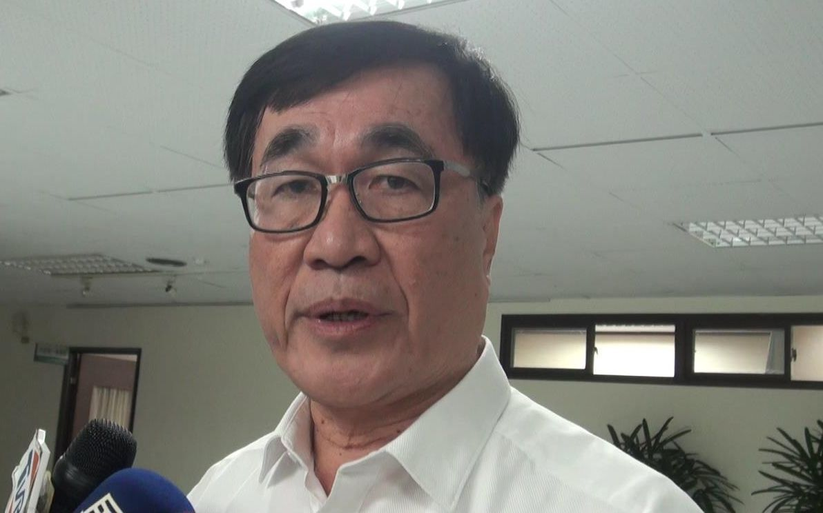 高雄市副市長李四川表示,2月19日的市政會議,市長韓國瑜應是「病假」,不是「公出...