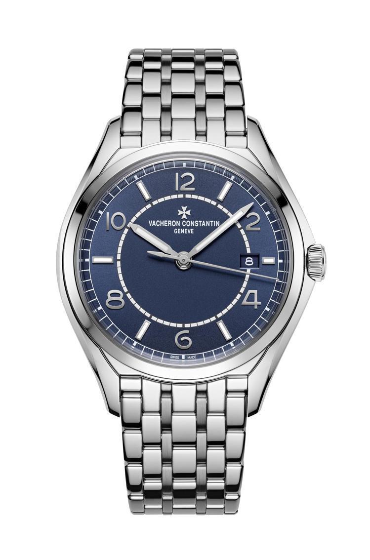 江詩丹頓Fiftysix藍面精鋼自動上鍊腕表鍊帶款,40萬8,000元。