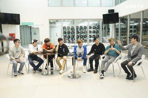 EXO主持的實境節目「EXO的爬梯子世界旅行第二季」先前來到南台灣高雄、墾丁,在拍攝時就引發熱烈討論,節目播出後更是好評不斷。LINE TV台灣中字獨播,創下雙紀錄,打破綜藝館觀看流量紀錄,連續5週...