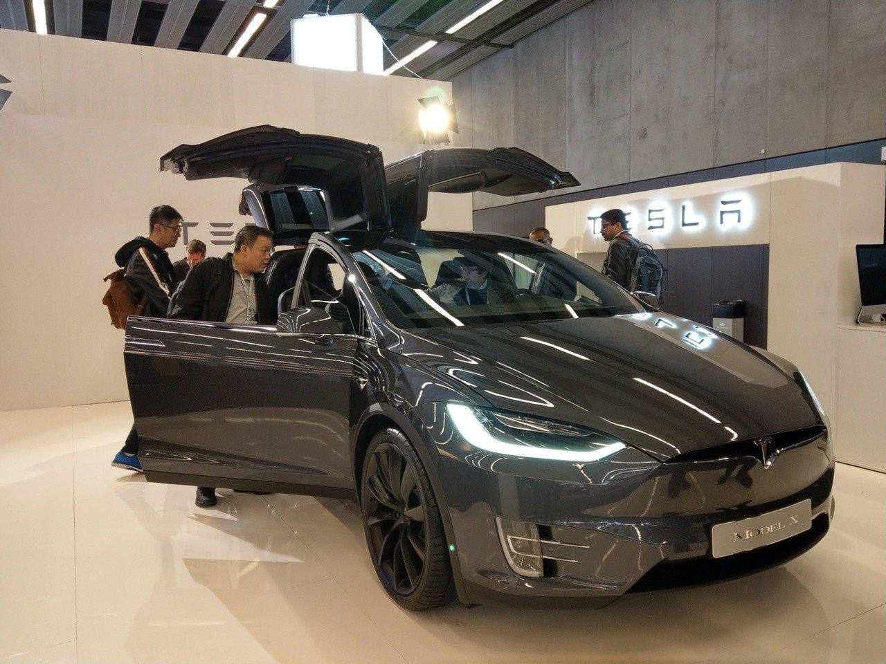 電動車大廠特斯拉也參展2019 MWC。記者鐘惠玲/攝影