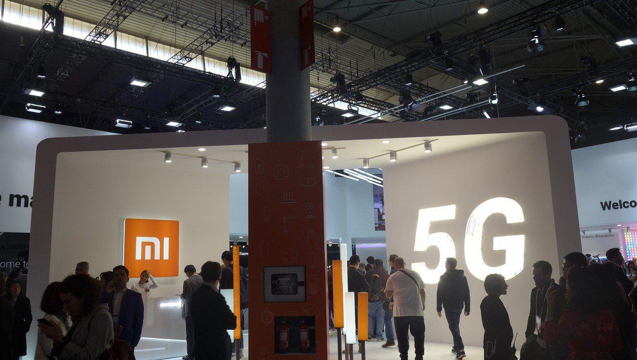 小米在MWC開展前,在巴塞隆納宣布推出其首款5G手機,也就是Mi MIX3的5G...