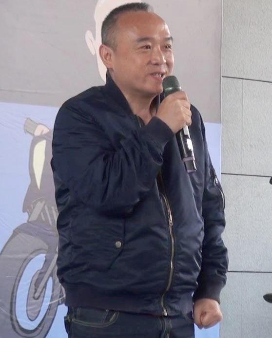 高雄市觀光局長潘恒旭日前一些有關總統選舉的談話在藍營起波瀾,他26日表示會等明年...