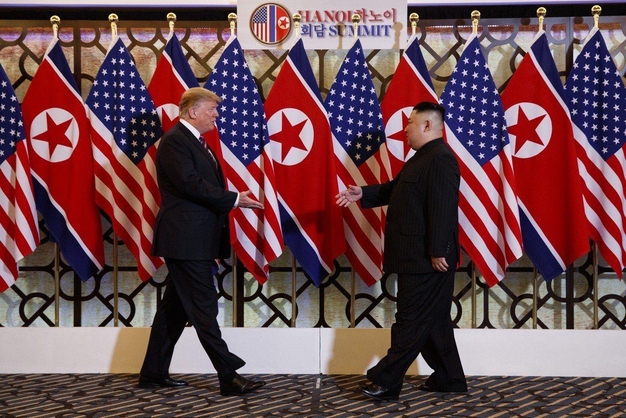 美國總統川普和北韓領導人金正恩今(27日)晚在越南河內索菲特傳奇大都會酒店展開第...