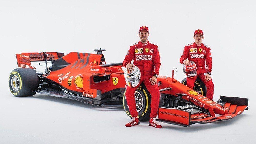 Sebastian Vettel(左)Charles Leclerc(右)。 摘...