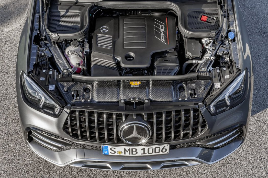 3.0升直列六缸雙渦輪增壓引擎可以提供429hp/53kgm的動力。 摘自Mer...