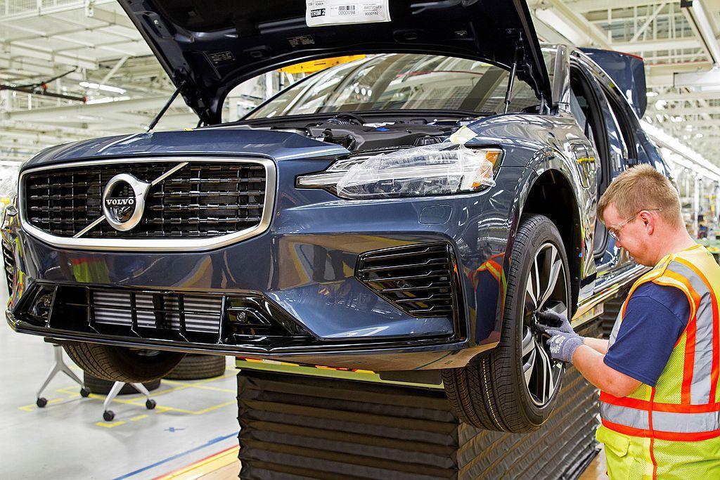 美國生產的全新第三代Volvo S60將開始運往歐洲市場銷售,新車會通過南卡羅來...