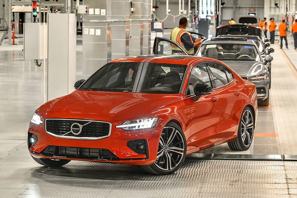 全新第三代Volvo S60自今年起將以美國製造,成為全球主要新車供應來源。 圖...