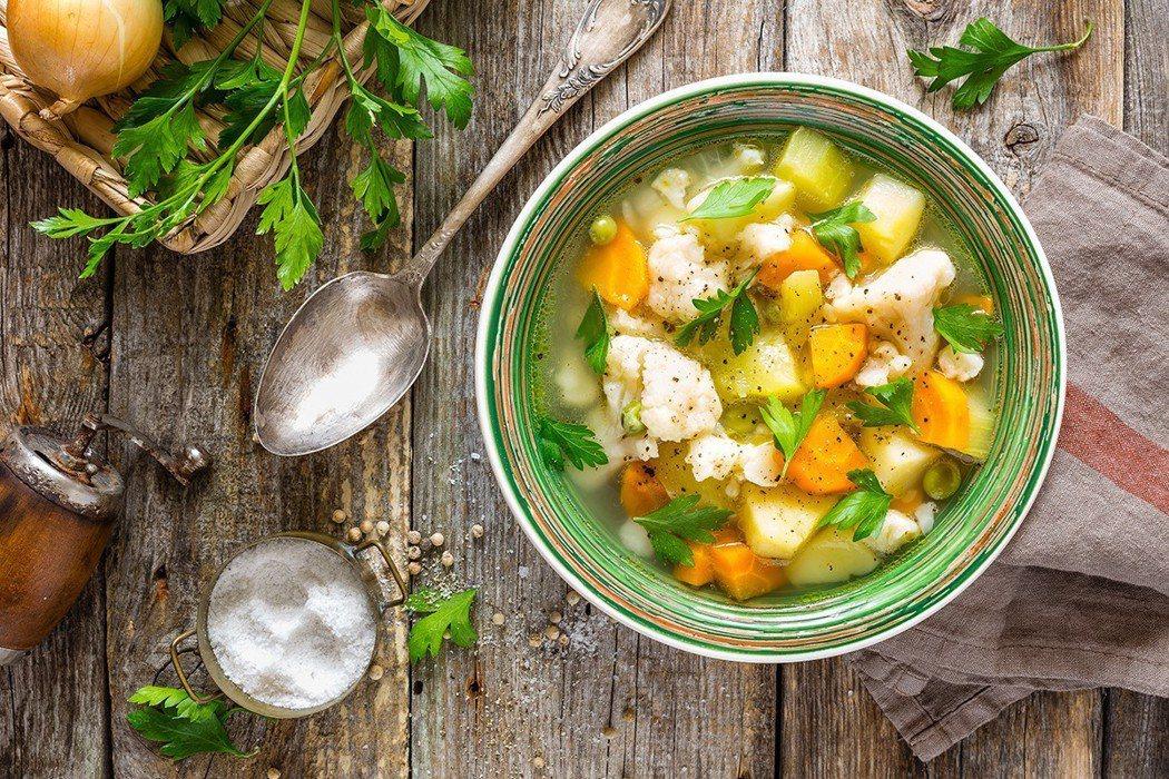 吃蔬菜湯不是應該很健康嗎? 圖片/ingimage