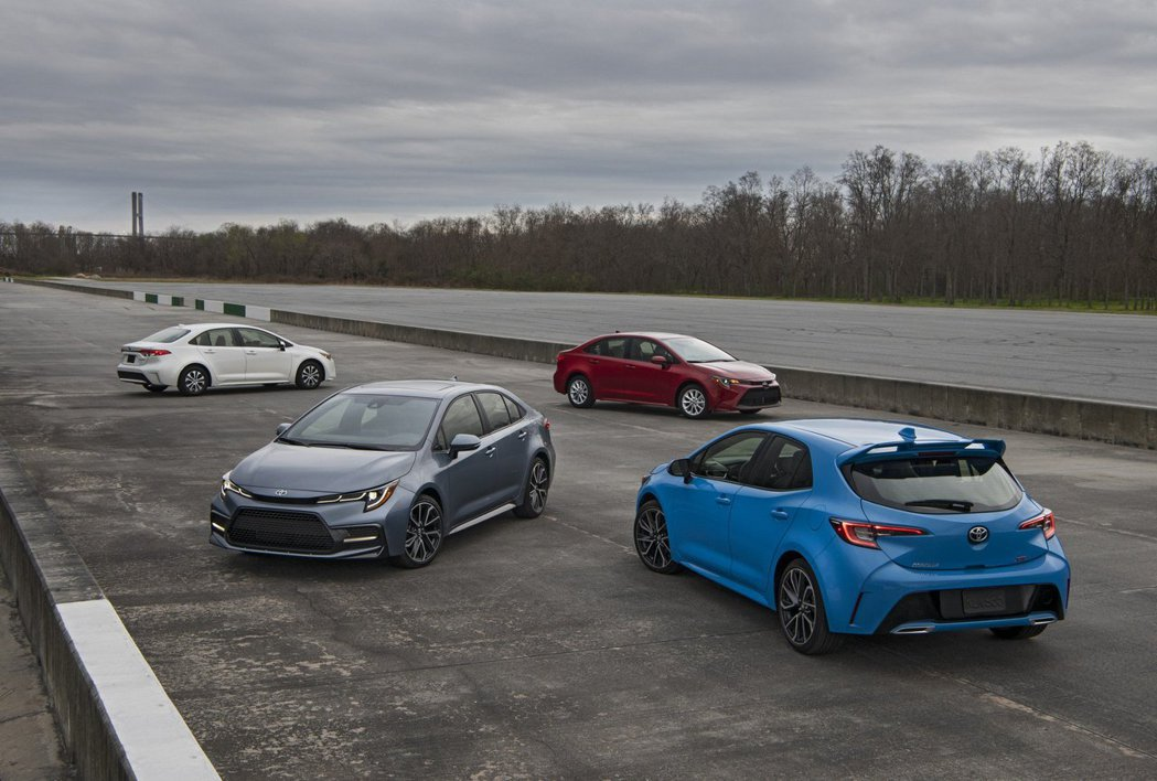 美規Toyota Corolla四門與五門車型都已獲得大改款式樣。 摘自Toyota