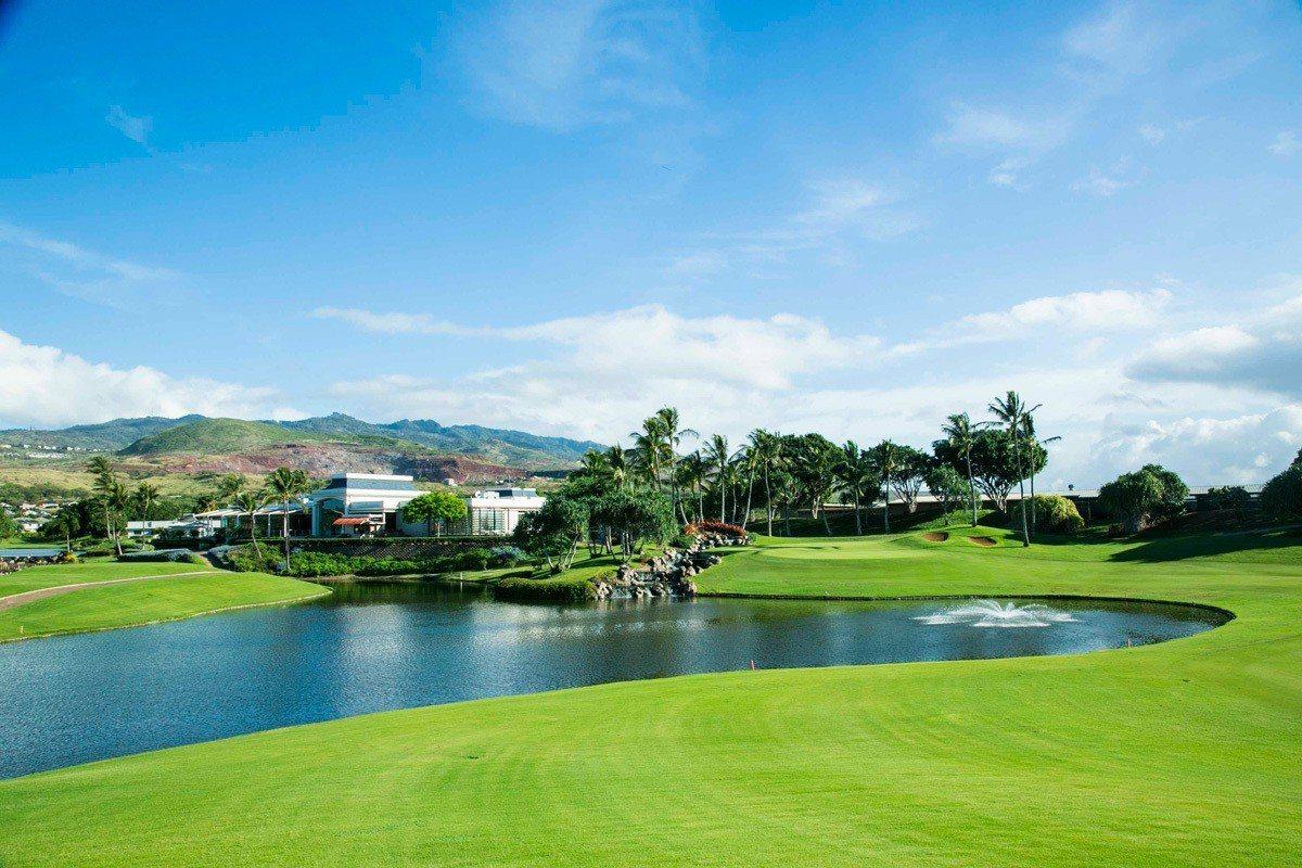 夏威夷的高爾夫球場以風景優美著稱。華旅旅遊提供