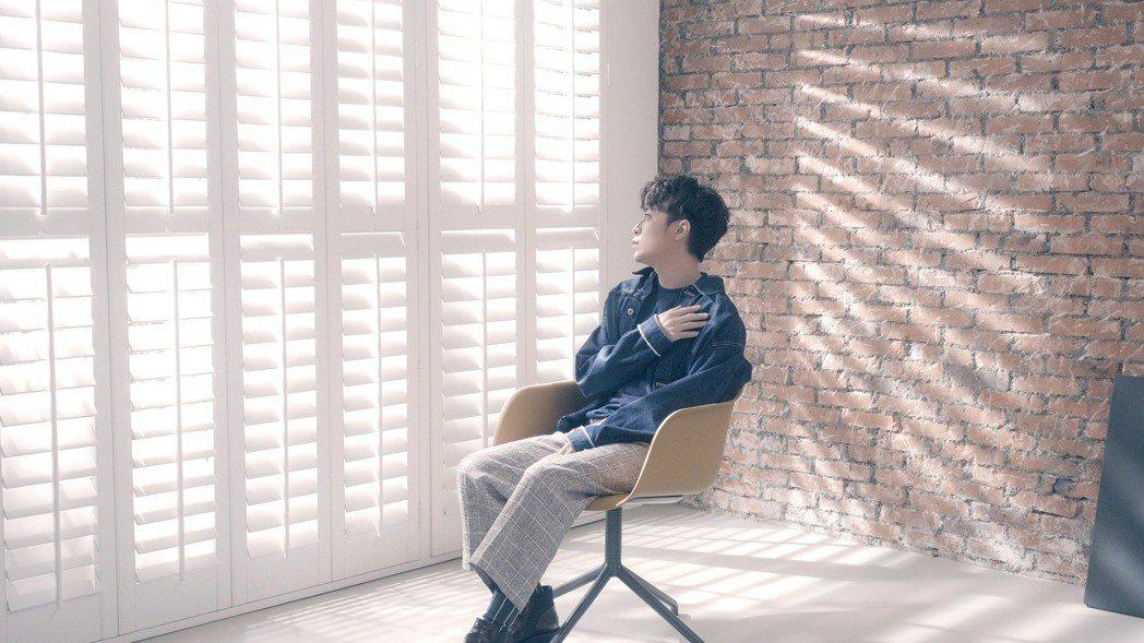吳青峰推出新歌「蜂鳥」。圖/智慧大狗提供