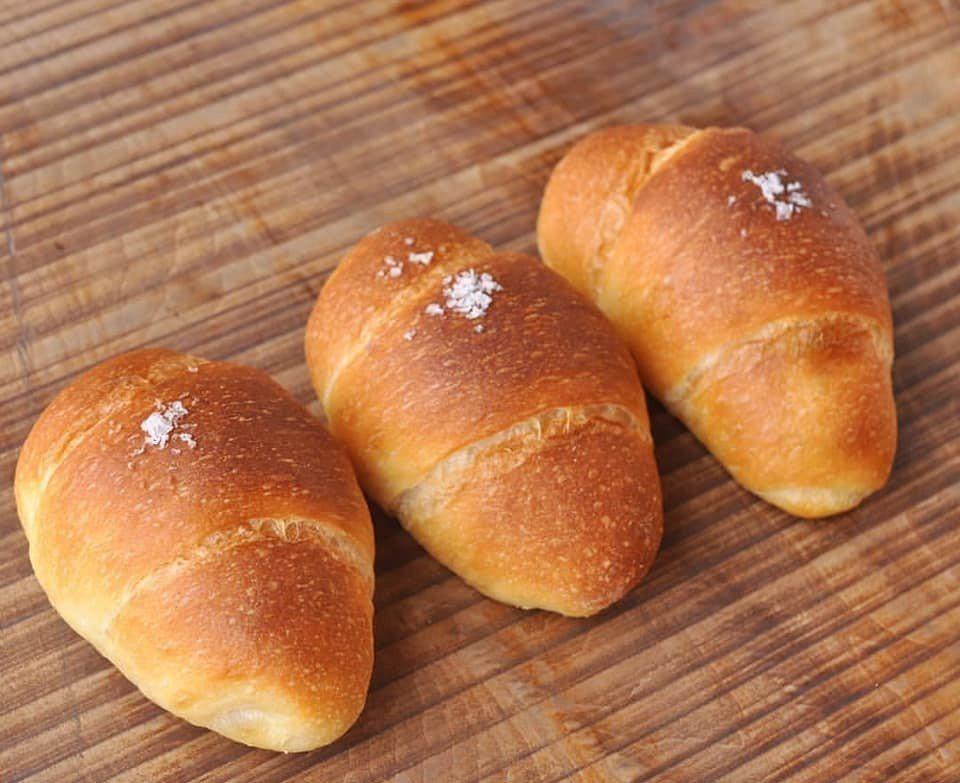 鹽味麵包,售價40元。圖/擷取自TREES_BREAD臉書