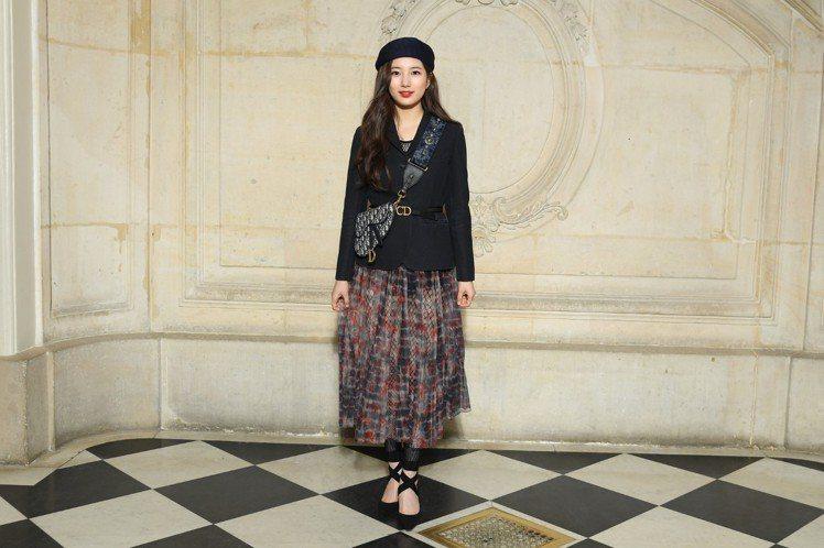 韓星秀智以身俏皮可愛的造型出席Dior 2019秋冬大秀。圖/Dior提供