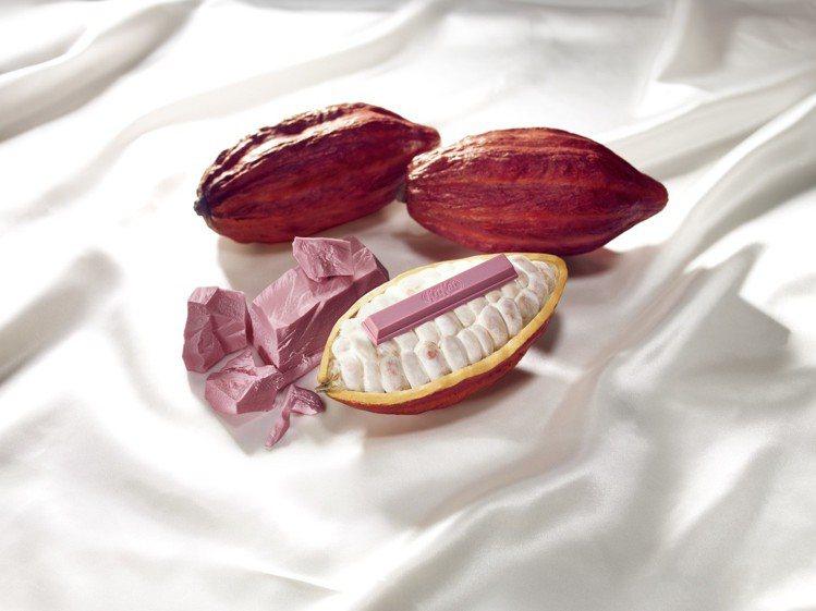 KitKat Ruby使用天然的紅寶石可可豆製成。圖/雀巢提供