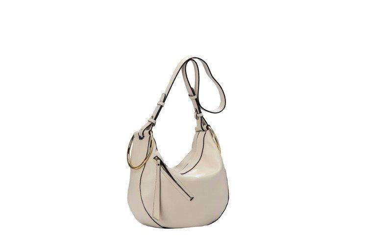 Eva彎月包,售價16,800元。圖/GIANNI CHIARINI提供