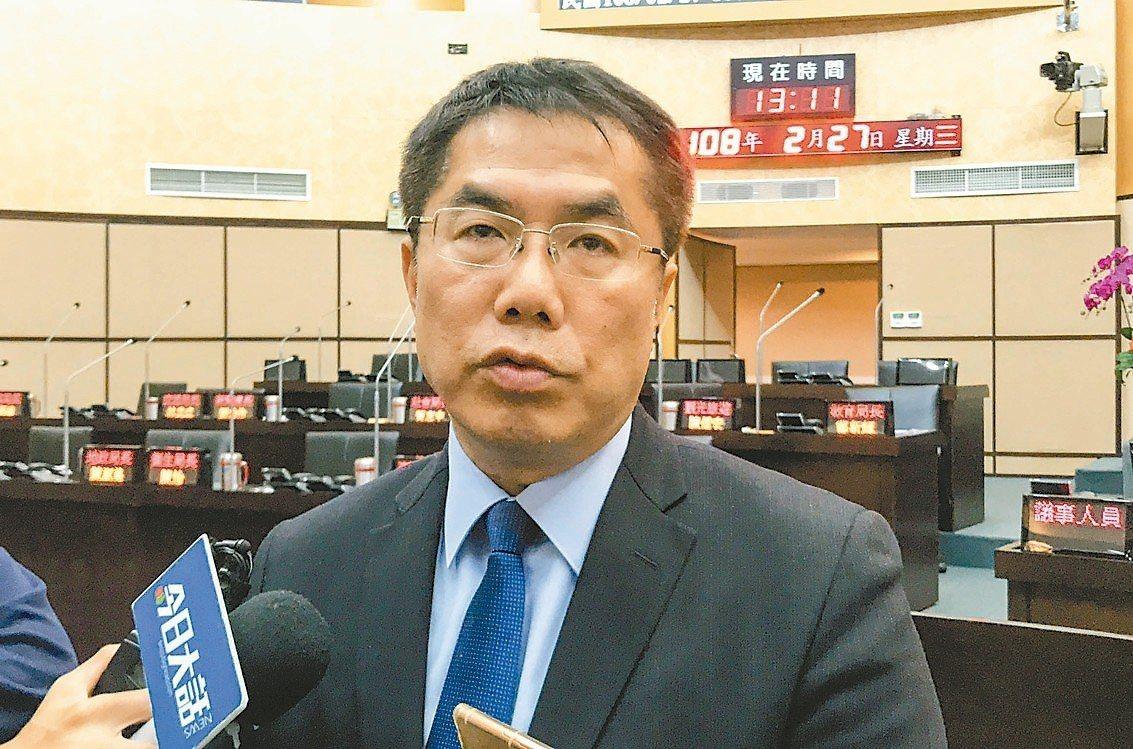 台南市長黃偉哲說,過去暖冬補助立意良善,但執行有落差。 記者鄭維真/攝影