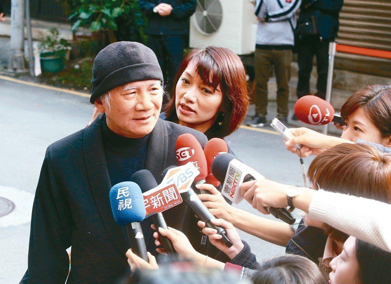 民進黨前主席林義雄上午出席義光教會228追思禮拜,他批評朱立倫重啟核四的說法,是...
