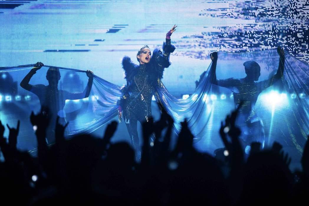 娜塔莉波曼首次挑戰歌手角色。圖/傳影互動提供