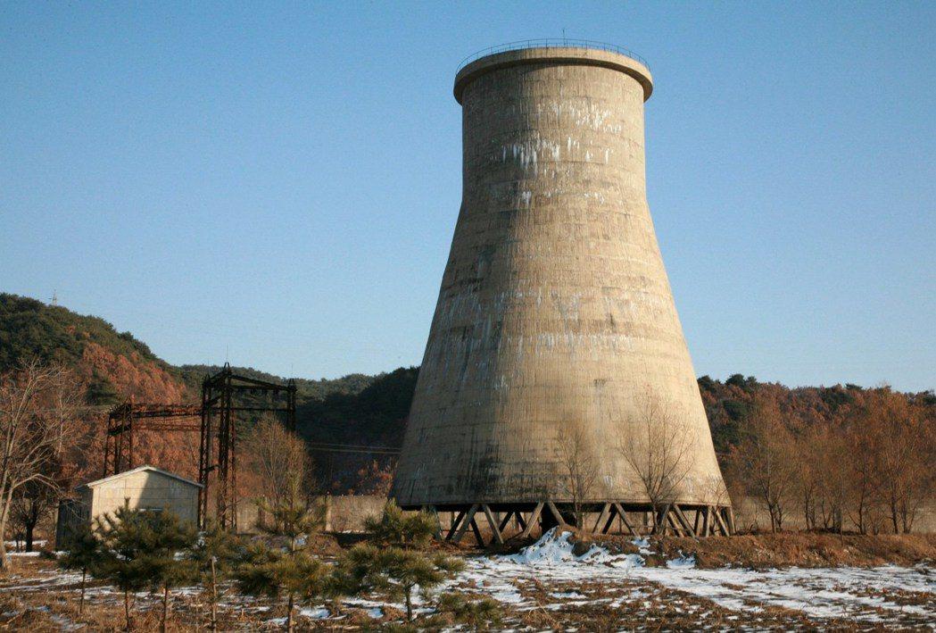 炸冷卻塔只有象徵意義,只是顯示無法輕易恢復生產鈽。(路透)
